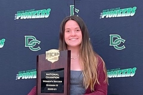 Elizabeth Green was named the Dick Shilts Female Athlete of the Year Award from MCCAA.
