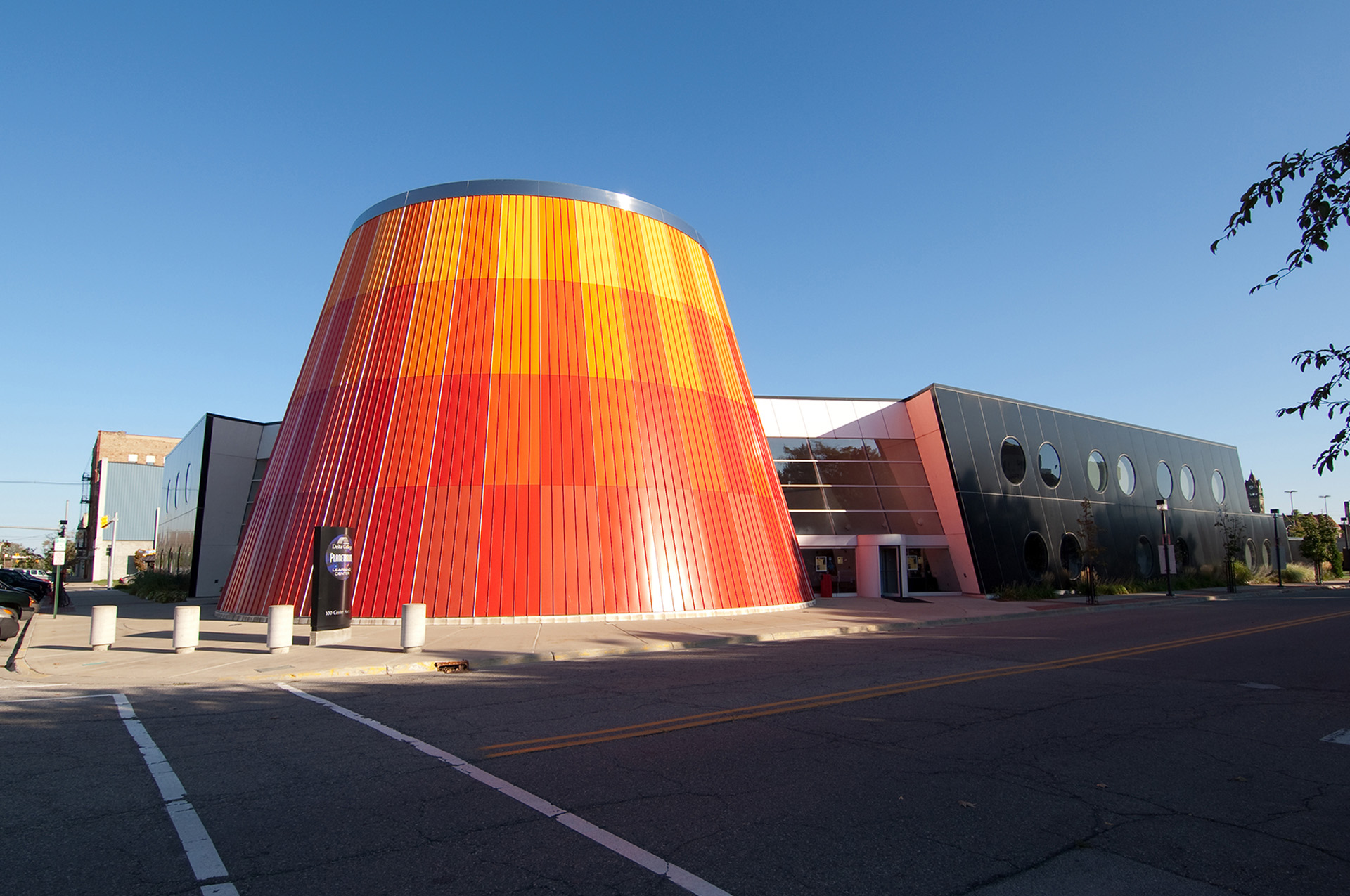 Exterior of the Delta College Planetarium & Learning Center